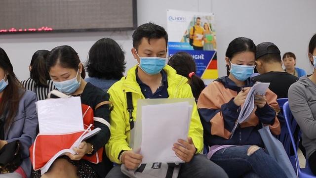 TPHCM: Công nhân thất nghiệp chấp nhận mức lương thấp để có việc làm - 6