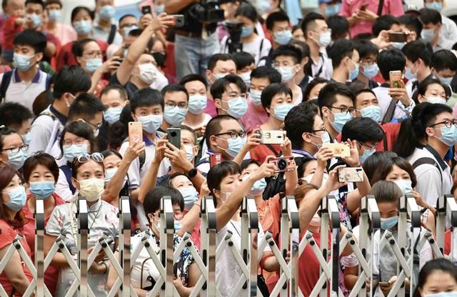 Trung Quốc: Dịch Covid-19, lũ lụt tăng thêm áp lực cho thí sinh thi Gaokao - 1