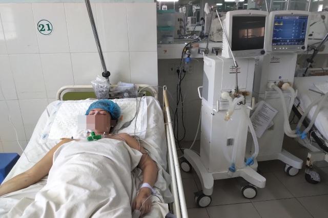 Khánh Hòa: 2 vợ chồng người nước ngoài nguy kịch do uống bia pha với cồn