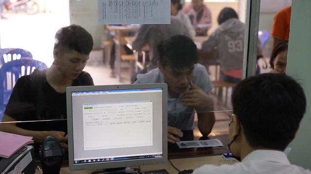 TPHCM: Hơn 94.000 người làm hồ sơ trợ cấp thất nghiệp - 4
