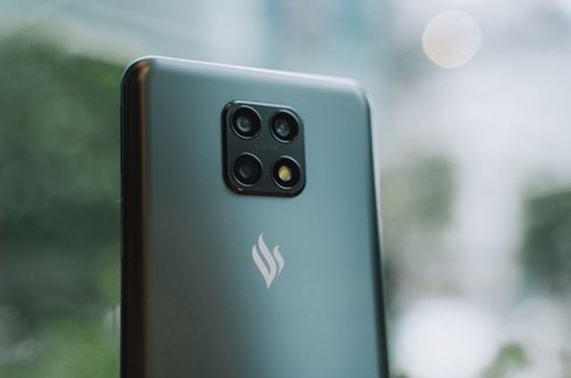 Cộng đồng Quốc tế hào hứng với điện thoại Vsmart Aris 5G Make in Vietnam - 1