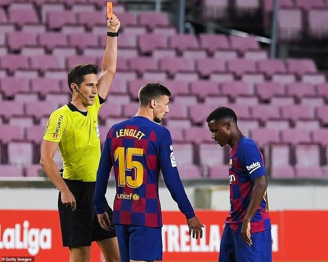 Luis Suarez ghi bàn, Barcelona nuôi mộng bám đuổi Real Madrid - 4