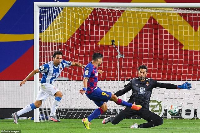"""Luis Suarez: """"Barcelona không còn hy vọng vô địch La Liga"""" - 1"""
