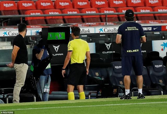 Luis Suarez ghi bàn, Barcelona nuôi mộng bám đuổi Real Madrid - 6