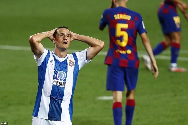 Luis Suarez ghi bàn, Barcelona nuôi mộng bám đuổi Real Madrid - 3