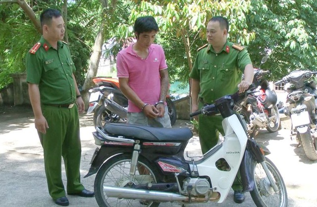 3 công an bị thương khi truy bắt đối tượng trộm cắp tài sản - 1