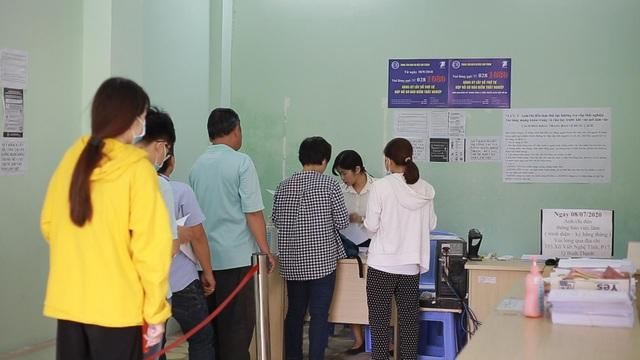 TPHCM: Hơn 94.000 người làm hồ sơ trợ cấp thất nghiệp - 2