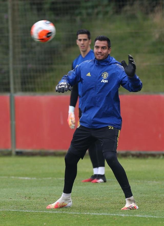 Man Utd luyện công chuẩn bị làm khách trước Aston Villa - 13