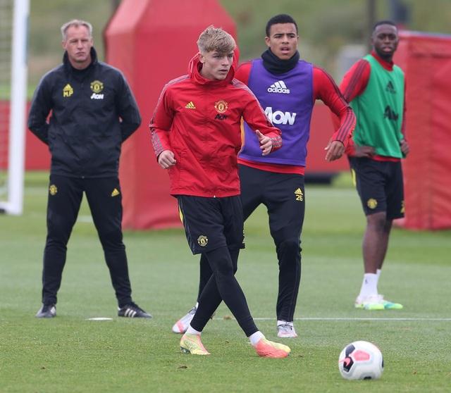 Man Utd luyện công chuẩn bị làm khách trước Aston Villa - 16