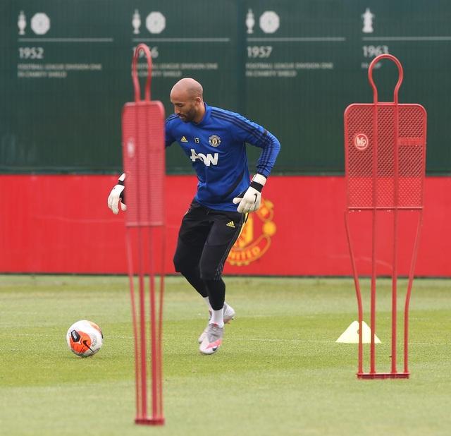 Man Utd luyện công chuẩn bị làm khách trước Aston Villa - 12