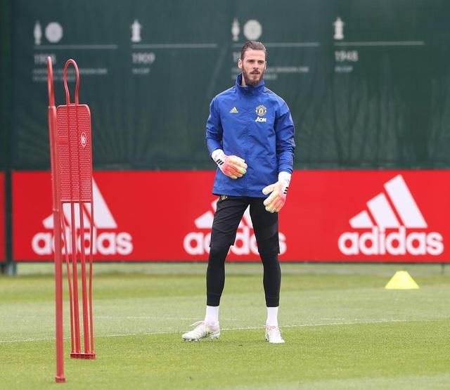 Man Utd luyện công chuẩn bị làm khách trước Aston Villa - 15