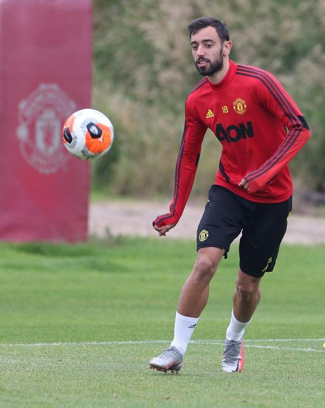 Man Utd luyện công chuẩn bị làm khách trước Aston Villa - 11