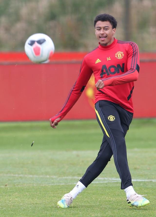 Man Utd luyện công chuẩn bị làm khách trước Aston Villa - 6