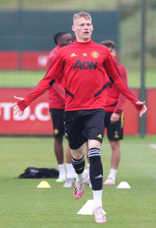 Man Utd luyện công chuẩn bị làm khách trước Aston Villa - 7