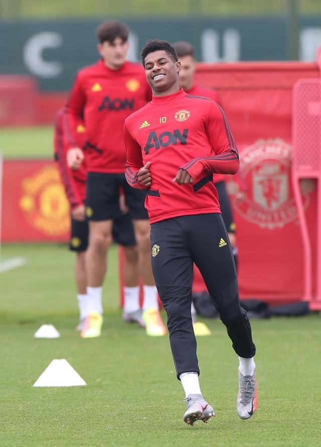 Man Utd luyện công chuẩn bị làm khách trước Aston Villa - 8