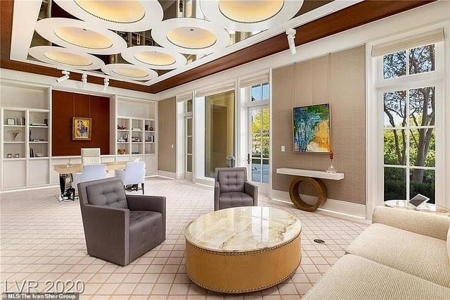 Bên trong biệt thự xa hoa giá 25 triệu USD của ông trùm cờ bạc nước Mỹ - 7