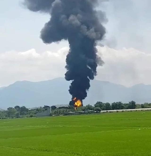 Cháy khu vực kho xăng dầu sân bay quân sự Thành Sơn - 2