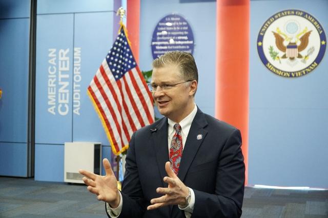 Chặng đường 25 năm phi thường của quan hệ Việt - Mỹ qua góc nhìn Đại sứ Mỹ - 2