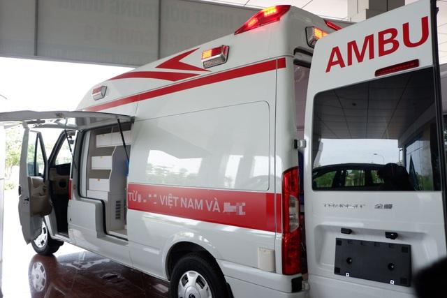 Cận cảnh xe cấp cứu áp lực âm đầu tiên tại Việt Nam phục vụ chống Covid-19 - 2