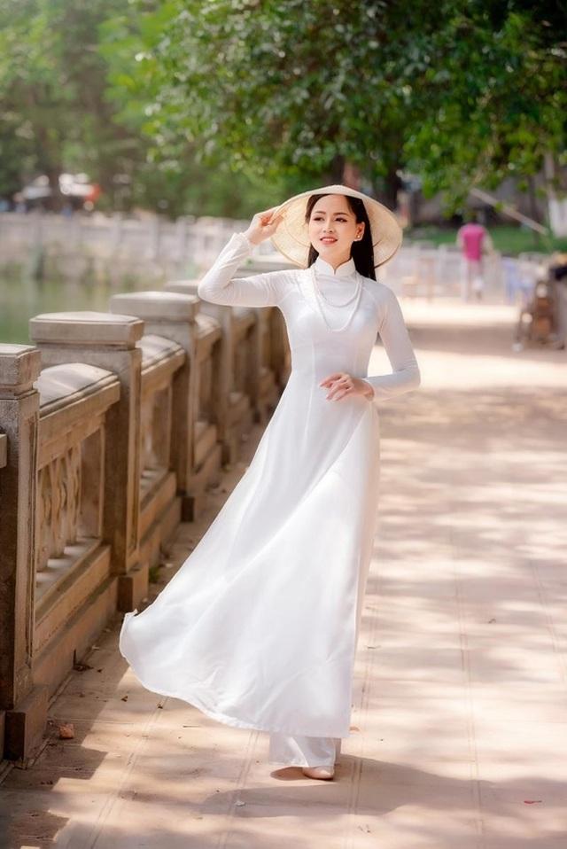 9X trường nghệ thuật khoe nét duyên dáng trong tà áo dài trắng - 3