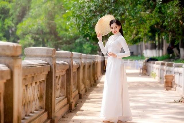 9X trường nghệ thuật khoe nét duyên dáng trong tà áo dài trắng - 6