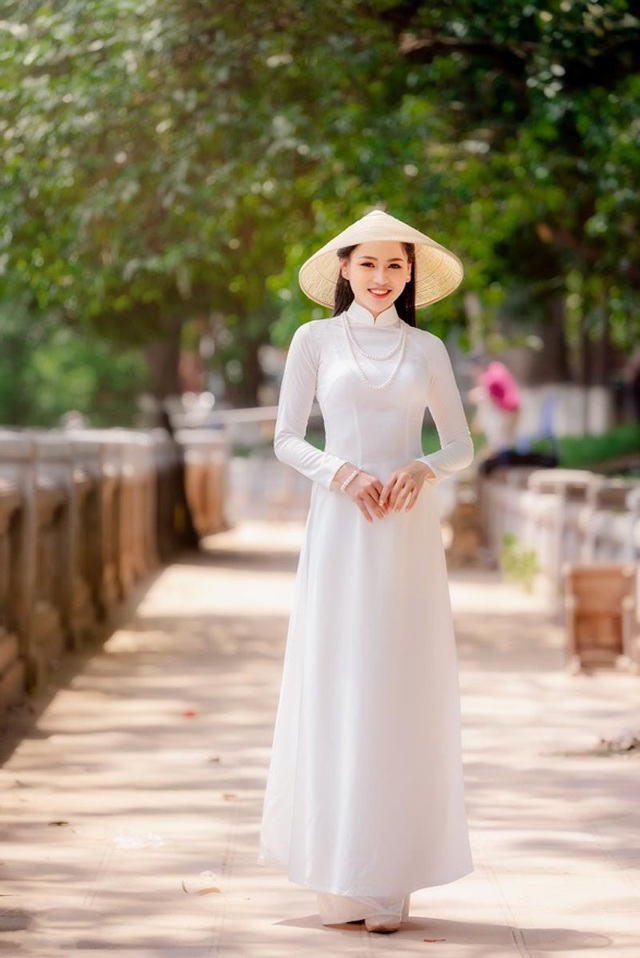 9X trường nghệ thuật khoe nét duyên dáng trong tà áo dài trắng - 7