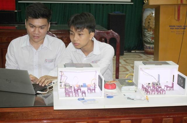 Học sinh Ninh Bình sáng chế Hệ thống quản lý giờ học thông minh - 1