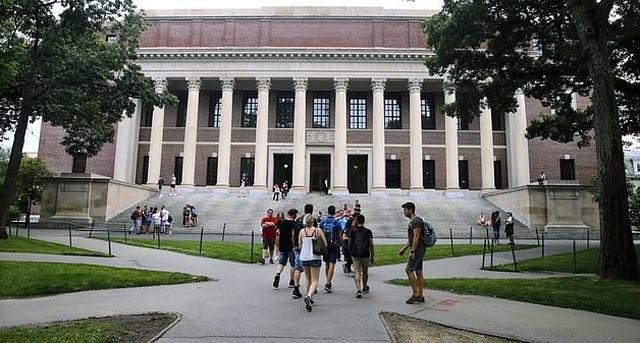 ĐH Harvard thách thức, tuyên bố dạy online hoàn toàn năm học tới - 1
