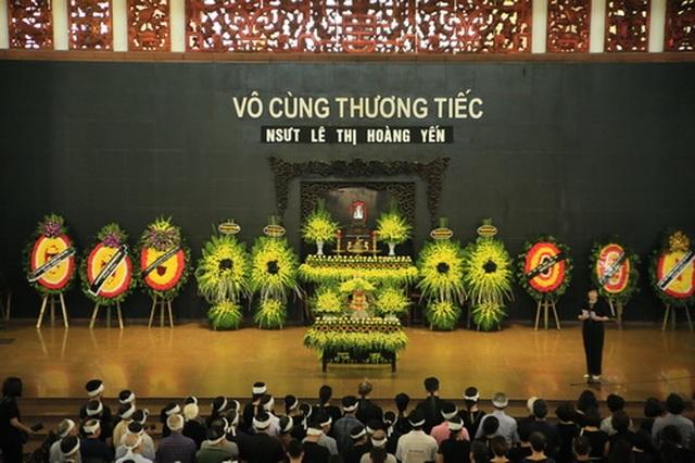 Đồng nghiệp nghẹn ngào tiễn đưa NSƯT Hoàng Yến - 2