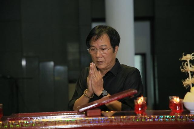 Đồng nghiệp nghẹn ngào tiễn đưa NSƯT Hoàng Yến - 6