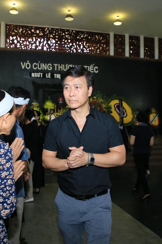 Đồng nghiệp nghẹn ngào tiễn đưa NSƯT Hoàng Yến - 8