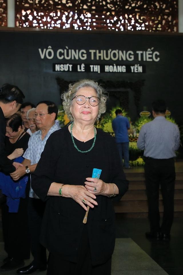 Đồng nghiệp nghẹn ngào tiễn đưa NSƯT Hoàng Yến - 5