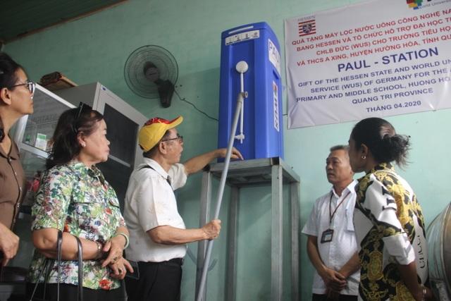 Quảng Trị: Tặng thiết bị lọc nước cho trường học vùng miền núi, biên giới - 1