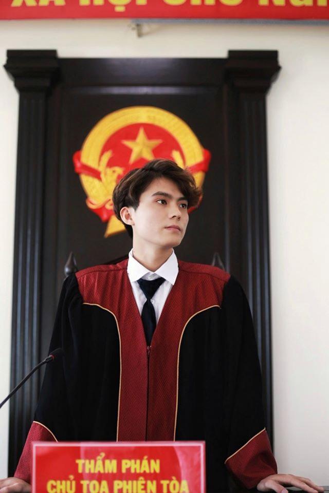 """Nam sinh Học viện Tòa án vào vai chủ tọa """"đốn tim"""" phái nữ - 2"""