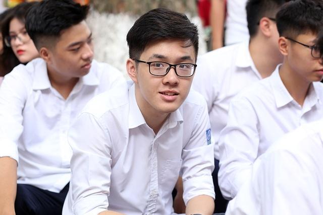 Trai xinh gái đẹp hội tụ tại buổi bế giảng THPT Phan Đình Phùng - 11