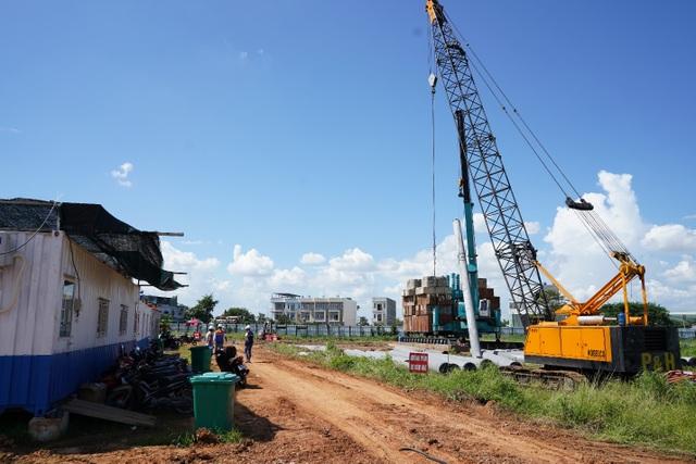 Đột nhập công trình bất động sản vừa được cấp phép xây dựng trên địa bàn quận 12 - 3