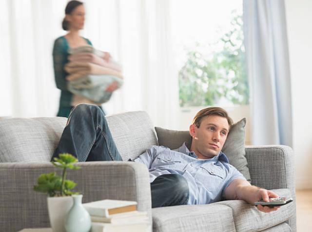 Lấy chồng không phải để chăm thêm một đứa trẻ lớn xác - 1