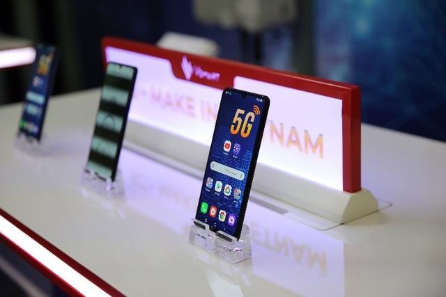Smartphone 5G Việt Nam đầu tiên và công nghệ dẫn dắt đến tương lai - 1