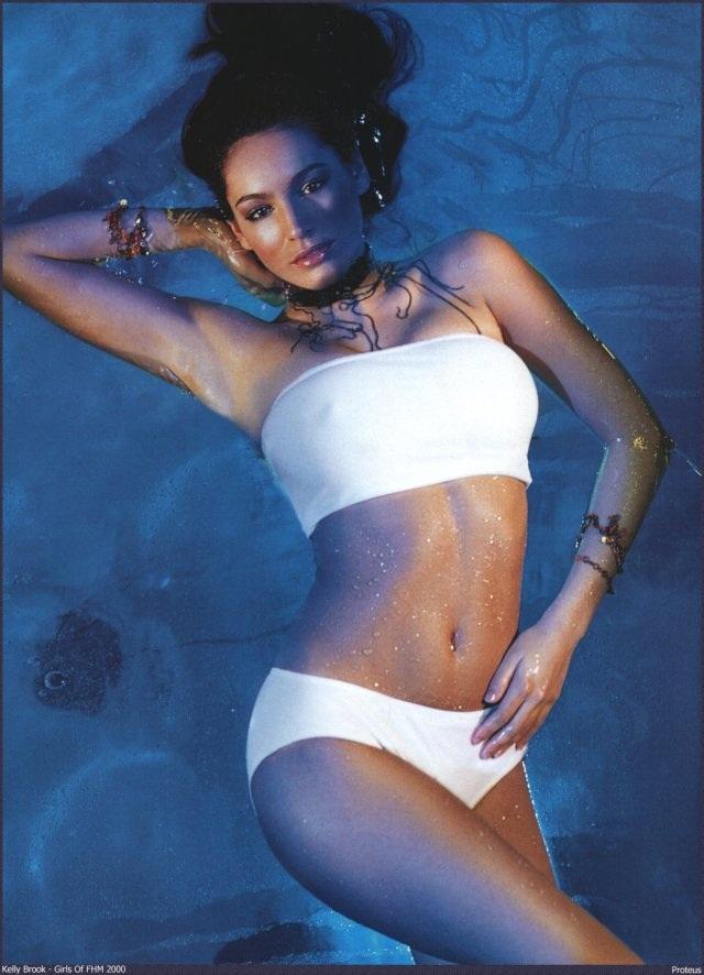 Kelly Brook tự tin tung ảnh áo tắm không qua chỉnh sửa - 7