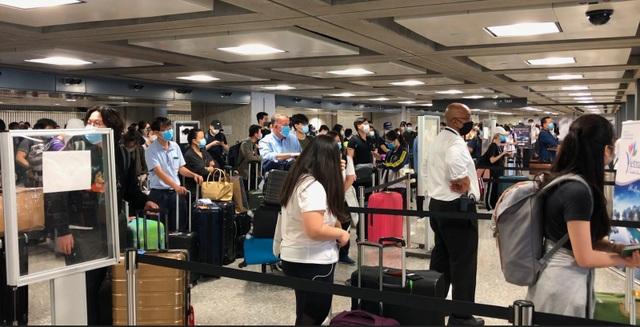 Thêm 350 người Việt kẹt tại Mỹ được hồi hương an toàn - 2