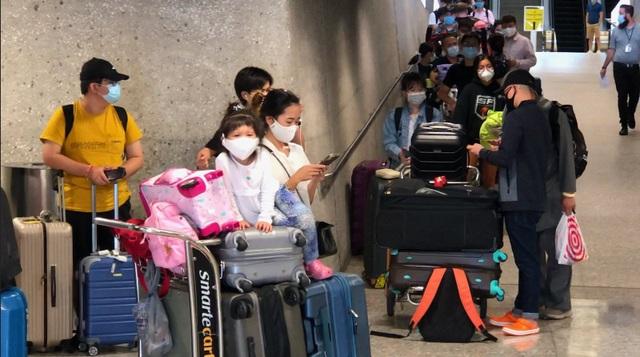 Thêm 350 người Việt kẹt tại Mỹ được hồi hương an toàn - 1