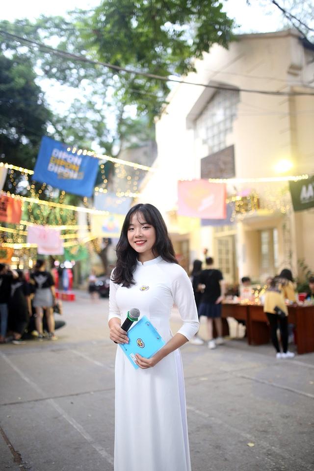 Giọt nước mắt học sinh THPT Việt Đức rơi trong lễ trưởng thành - 1
