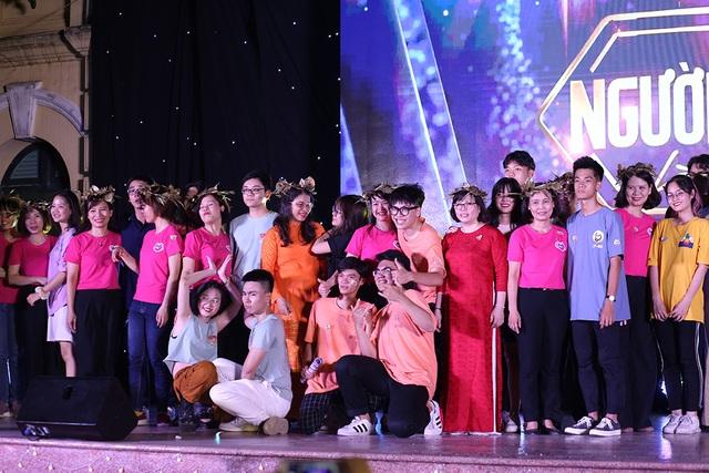 Giọt nước mắt học sinh THPT Việt Đức rơi trong lễ trưởng thành - 10