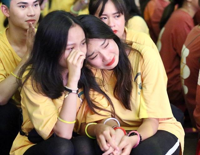 Giọt nước mắt học sinh THPT Việt Đức rơi trong lễ trưởng thành - 5