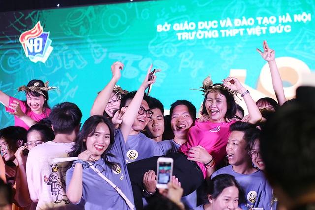 Giọt nước mắt học sinh THPT Việt Đức rơi trong lễ trưởng thành - 7