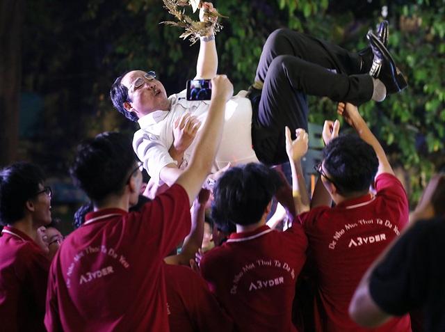 Giọt nước mắt học sinh THPT Việt Đức rơi trong lễ trưởng thành - 8