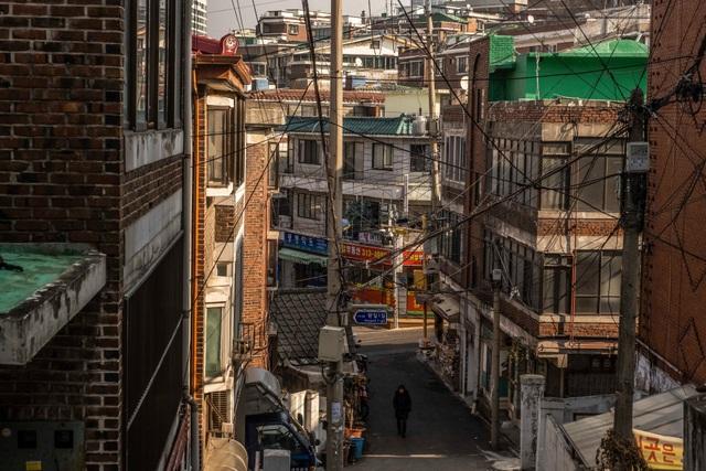 Cơn ác mộng mùa hè trong những nhà hộp diêm ở khu ổ chuột Hàn Quốc - 2