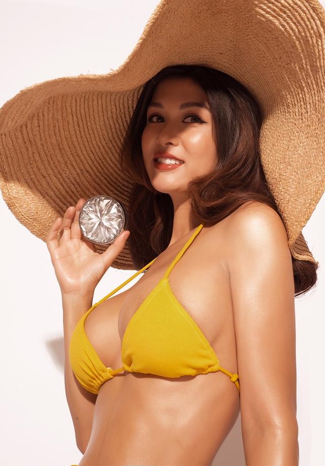 Hoa hậu Oanh Yến khoe dáng với bikini sau 3 tháng sinh con thứ 6 - 5