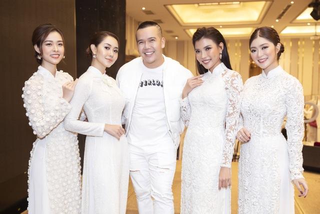 Thúy Diễm, Trương Quỳnh Anh đọ dáng trong vai trò vedette - 3