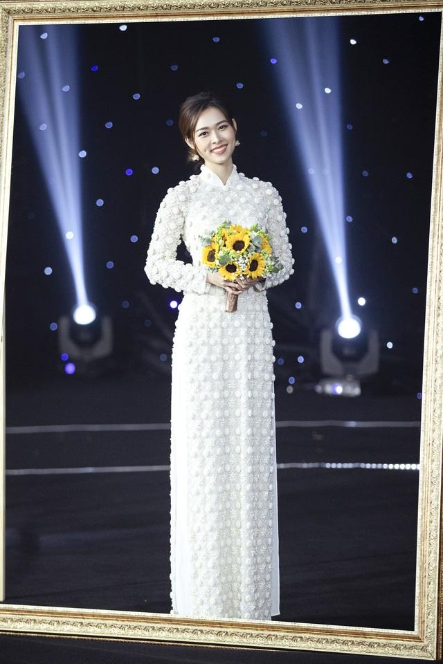 Thúy Diễm, Trương Quỳnh Anh đọ dáng trong vai trò vedette - 2